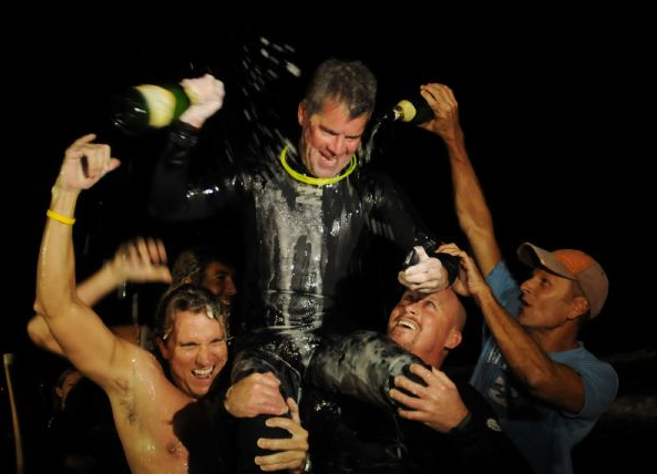 Kurtis Loftus Breaks Surf Marathon World Record for Breast Cancer