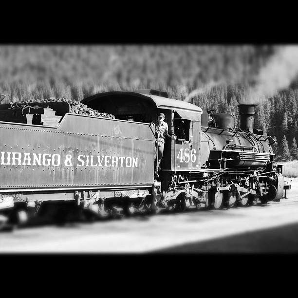 I hear that train a comin'...