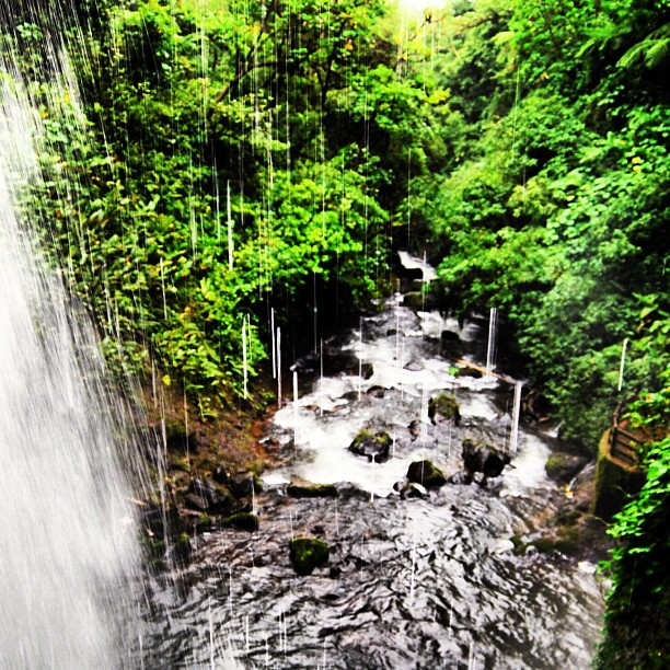 H2ahhh... (Costa Rica)