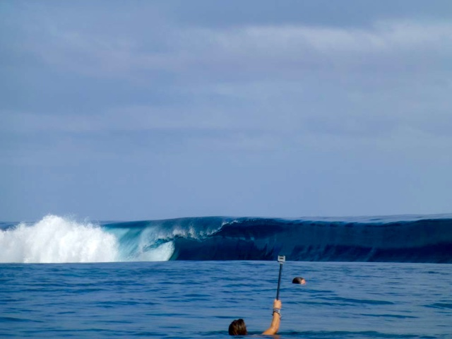 """Pipes"" surf break in Fiji"